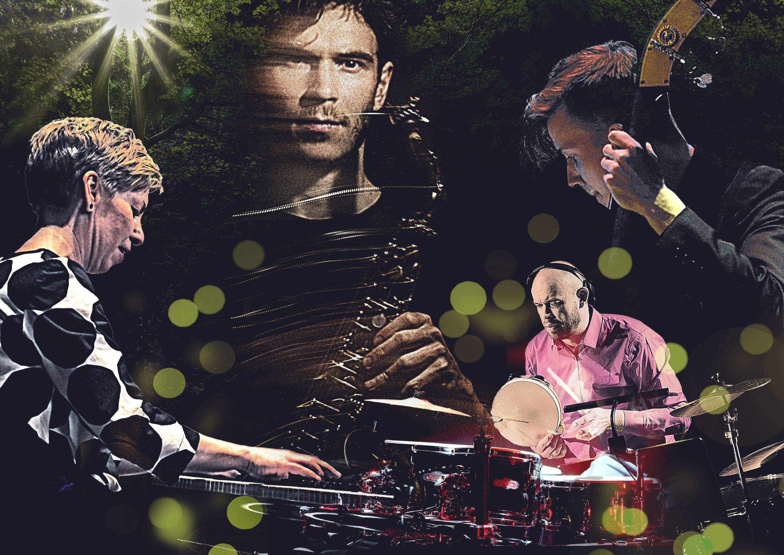 Kuvassa Riitta Paakki soittaa piano, Maxilla saksofoni kädessä, Mikko soittaa rumpuja ja Antti kontrabassoa.