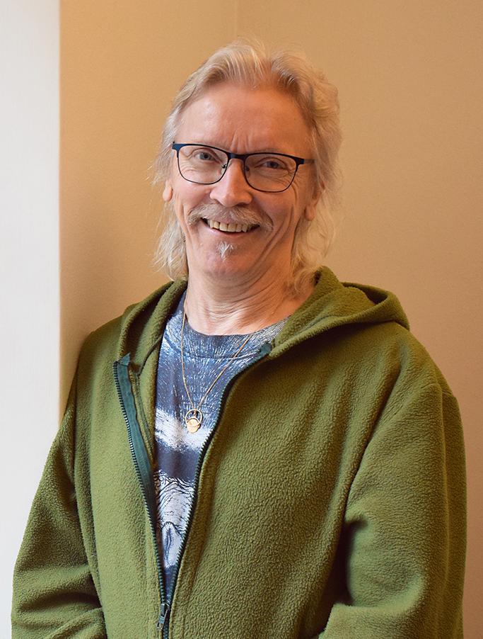 Kuvassa taiteellinen koordinaattori Reijo Karvonen