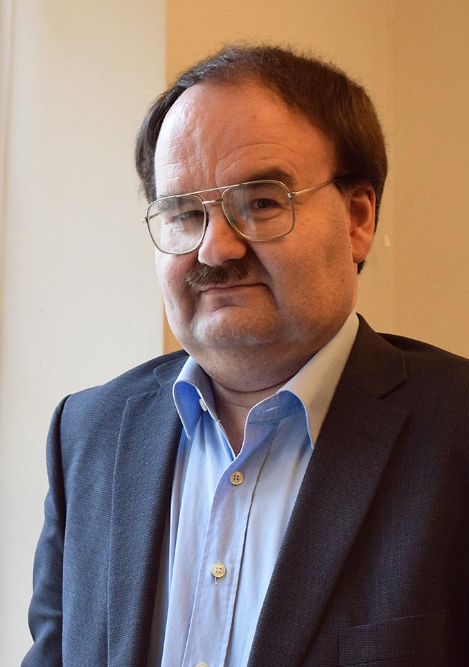 Kuvassa Konserttikeskuksen taloudenhoitaja Stephan Keskinen